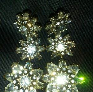 Flower/snowflake style dangle earrings